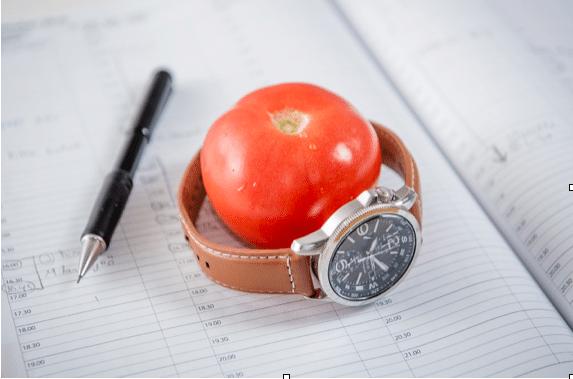 Hallitsetko työaikaasi? Näillä kolmella ajanhallintametodilla käytät työtuntisi tehokkaammin